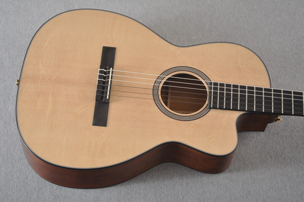 Martin 000C12-16E Nylon Guitar #2353901 - Top