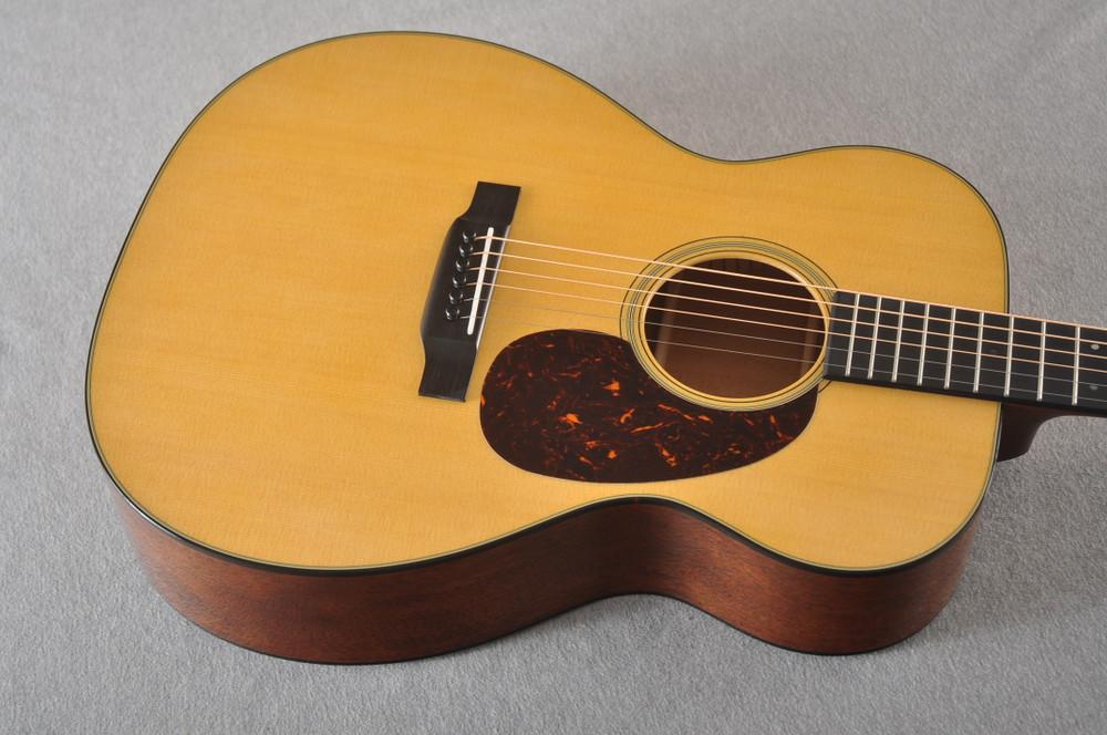 Martin 000-18 Standard Acoustic Guitar #2356514 - Top