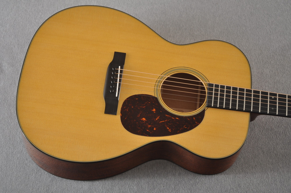 Martin 000-18 Standard Acoustic Guitar #2356514 - Top Angle