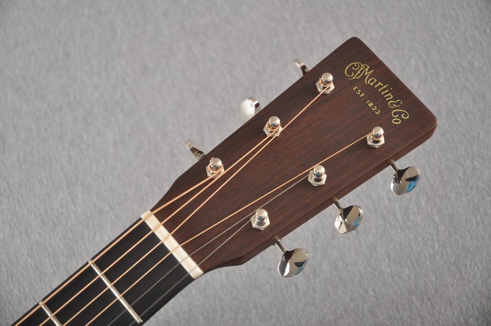 Martin 000 Custom Style 18 GE Golden Era Adirondack #2342127 - Headstock