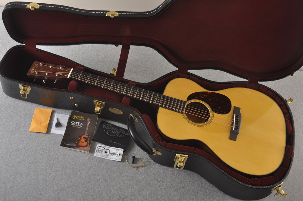 Martin 000 Custom Style 18 GE Golden Era Adirondack #2342127 - Case