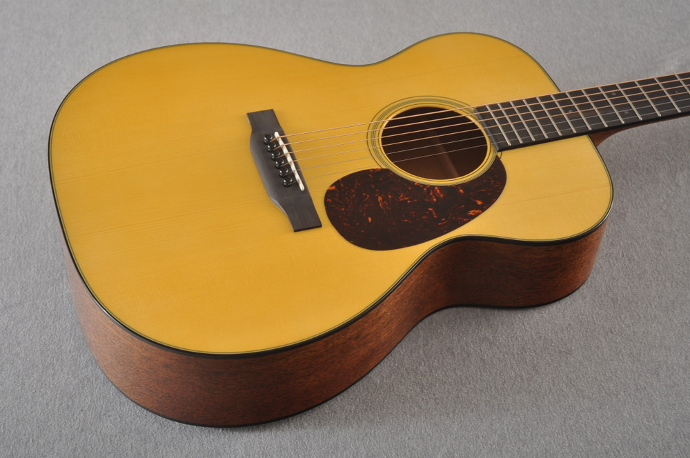 Martin Custom 000 Style 18 Adirondack Acoustic Guitar #2360913 - Beauty