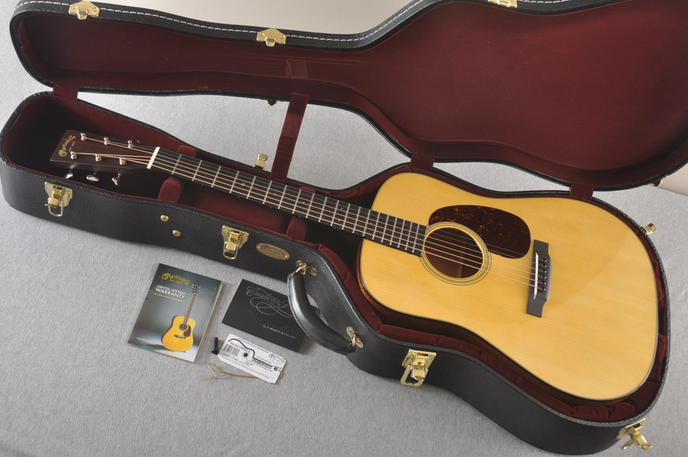 Martin Custom Dread Style 18 GE Adirondack Modified V #2360915 - Case
