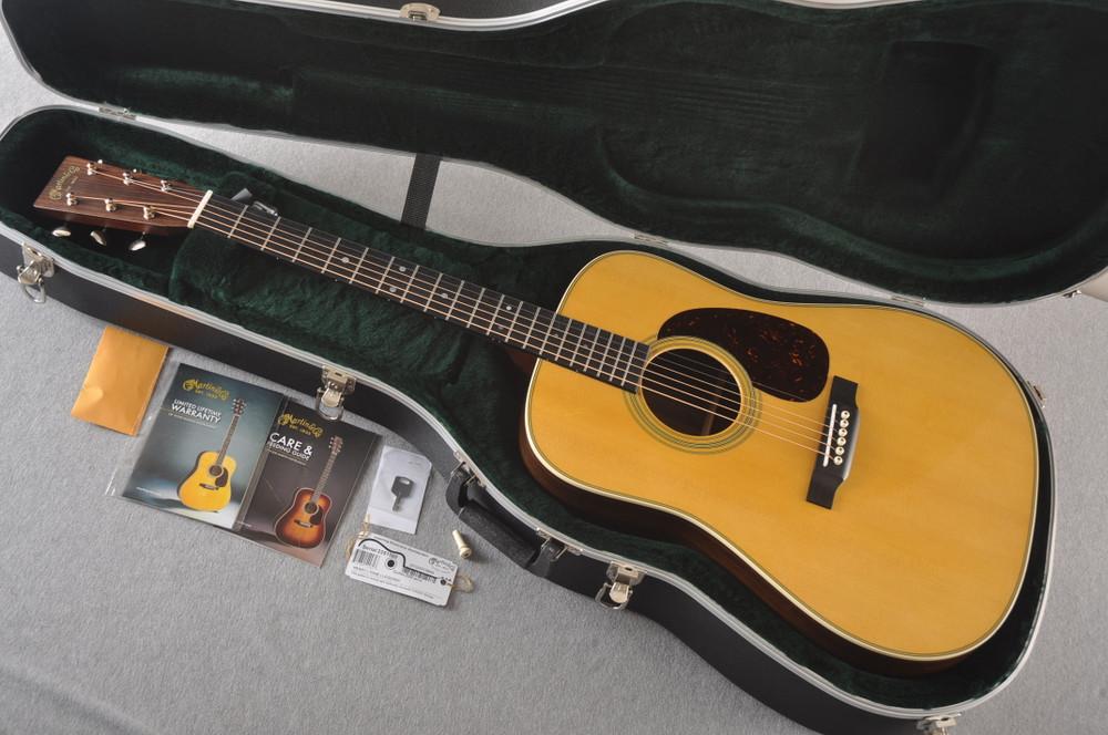 D-28 Standard Dreadnought Acoustic Guitar #2351560 - Case