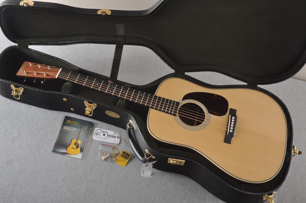 Martin D-28 Authentic 1937 VTS Dreadnought Guitar #2349971 - Case