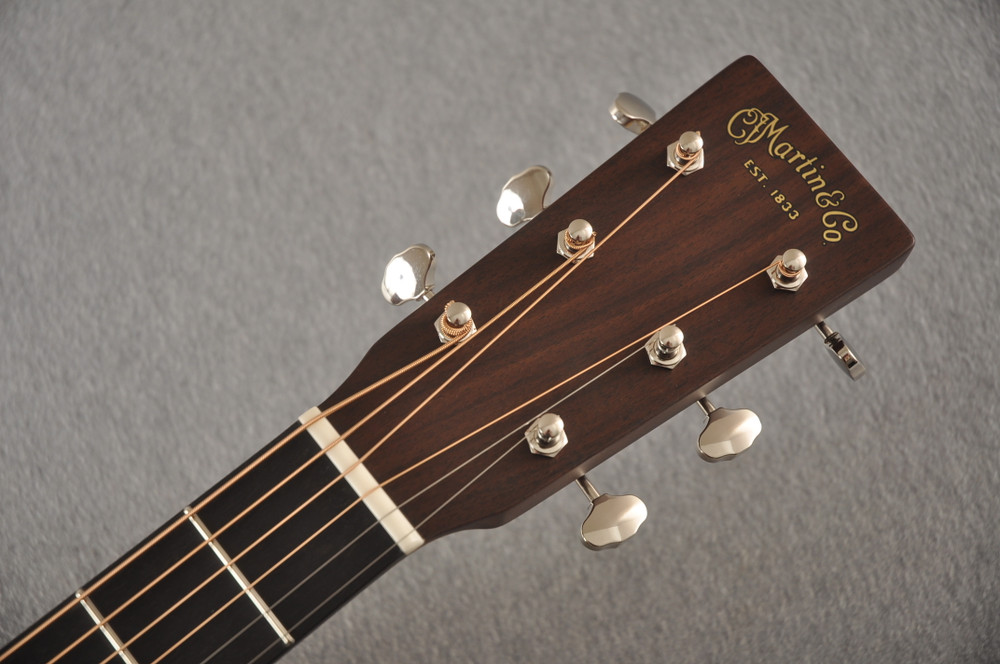 Martin Custom Dread Style 18 Adirondack Sunburst Guitar #2371539 - Headstock
