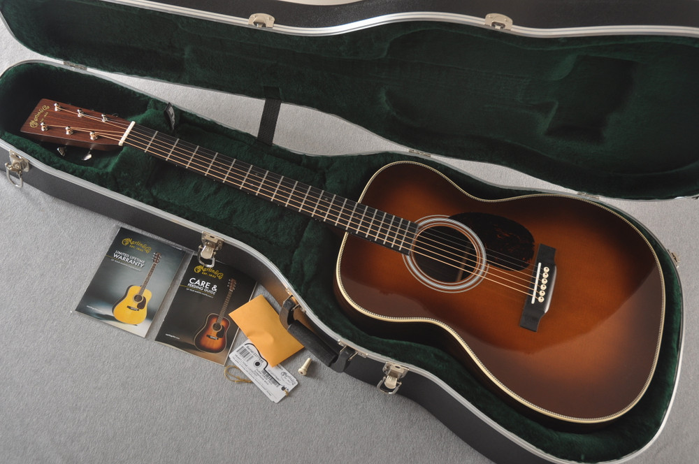 Martin OM-28 Ambertone Orchestra Model Acoustic Guitar #2377846 - Case