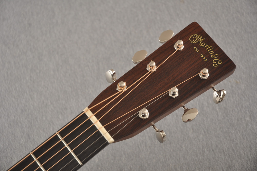 Martin Custom 000 Style 28 Adirondack Sunburst Guitar #2439240 - Headstock