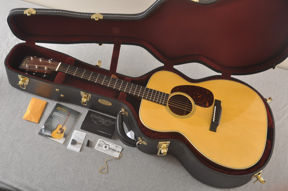 Martin Custom J Jumbo Style 18 GE Adirondack Sinker Mahogany #2241308 - Case
