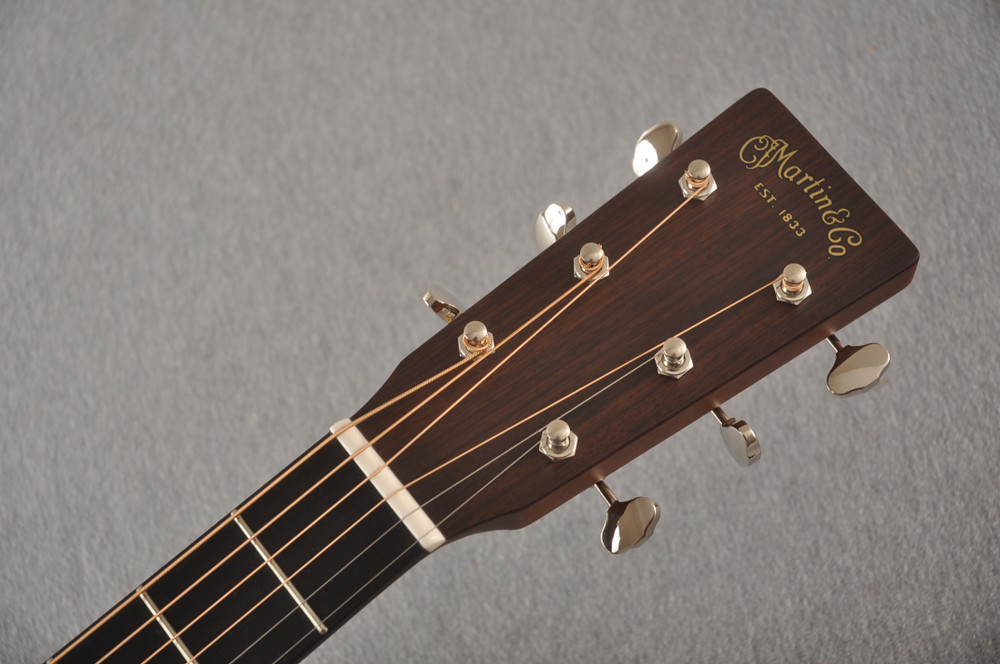 Martin 000 Custom Style 18 Adirondack Ambertone Guitar #2483234 - Headstock