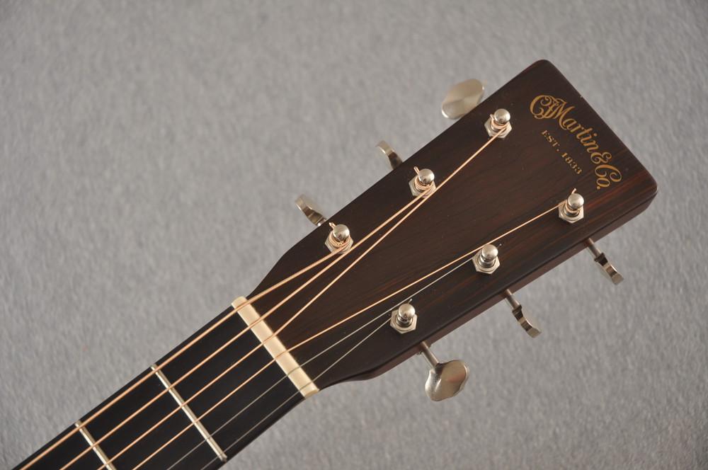 2001 Martin D-18GE Golden Era #802152 - Headstock