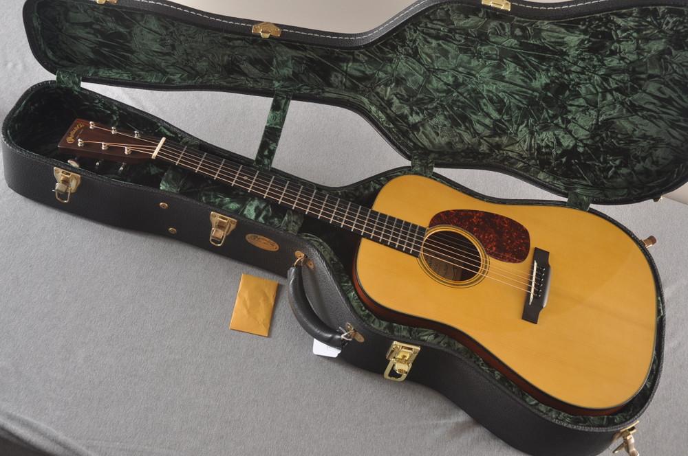 2001 Martin D-18GE Golden Era #802152 - Case