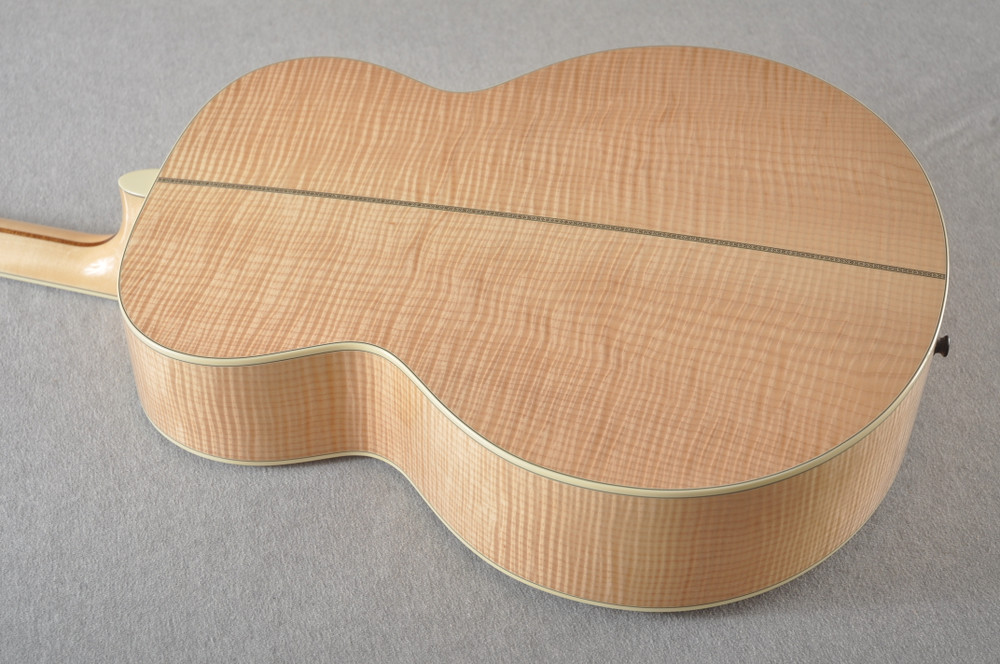 Eastman AC630-BD Jumbo Acoustic Guitar Solid Engleman Spruce Top - View 4