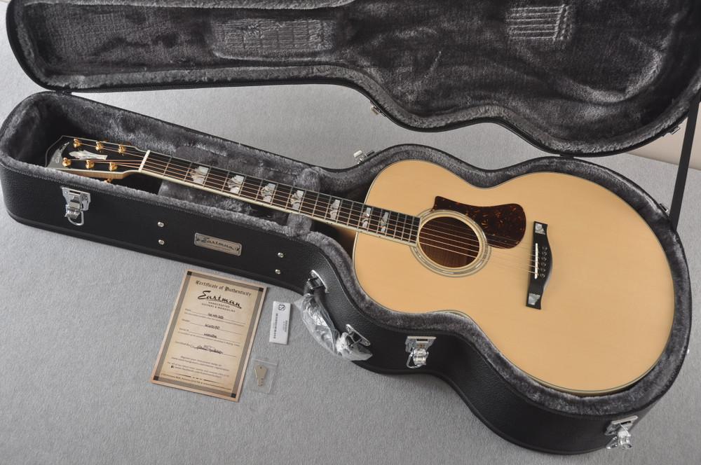 Eastman AC630-BD Jumbo Acoustic Guitar Solid Engleman Spruce Top - View 2
