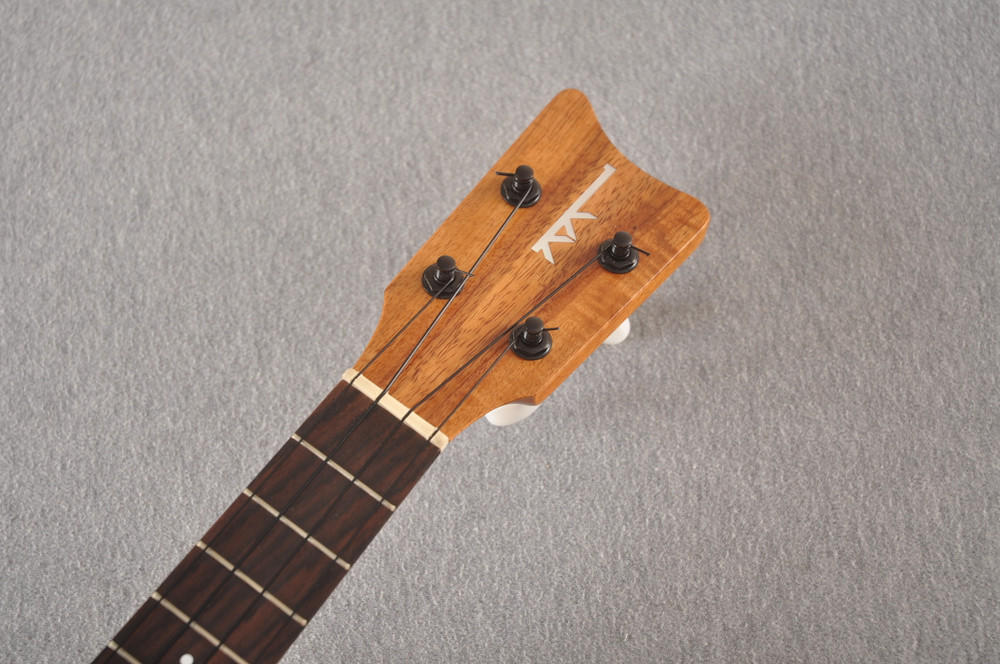 Kamaka Concert Ukulele HF-2 - Solid Koa - Made in Hawaii - 200666 - View 3