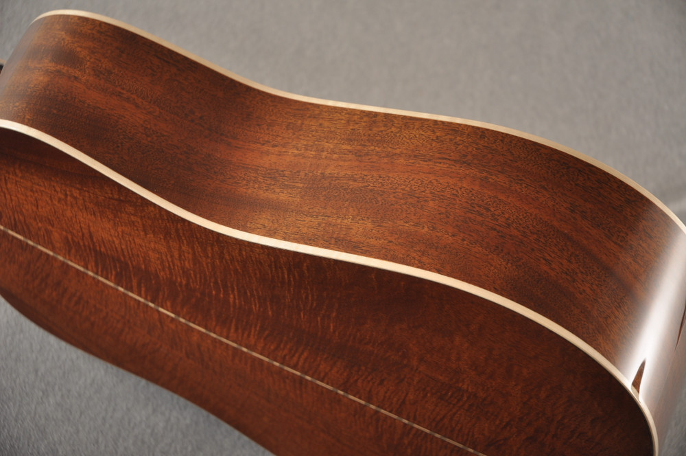 Martin Custom NAMM Figured Sinker Mahogany Dread 18 #2293406 - Side