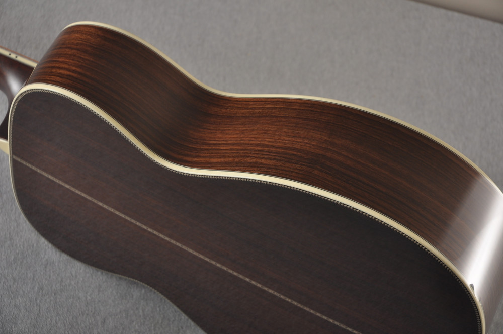 Eastman E40OM Acoustic Guitar Orchestra Model Adi Top Sunburst - View 4