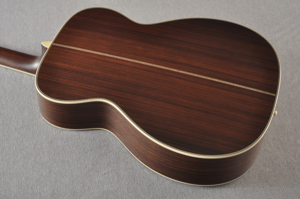 Eastman E40OM Acoustic Guitar Orchestra Model Adi Top Sunburst - View 10