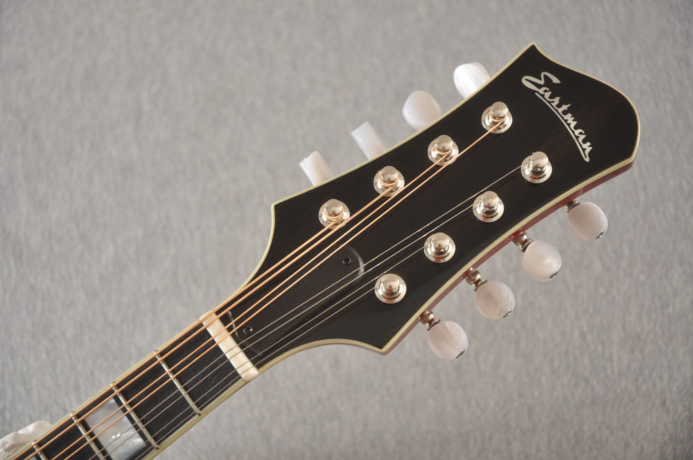 Eastman Mandolin MD605 Electric Pickup With Solid Spruce Top - View 3