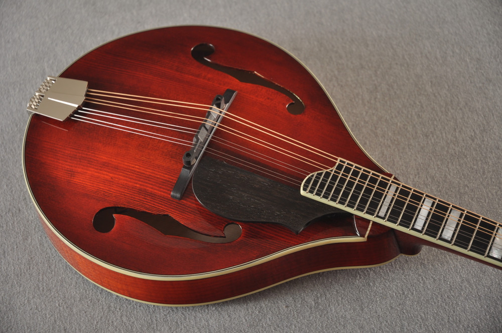 Eastman Mandolin MD605 Electric Pickup With Solid Spruce Top - View 4