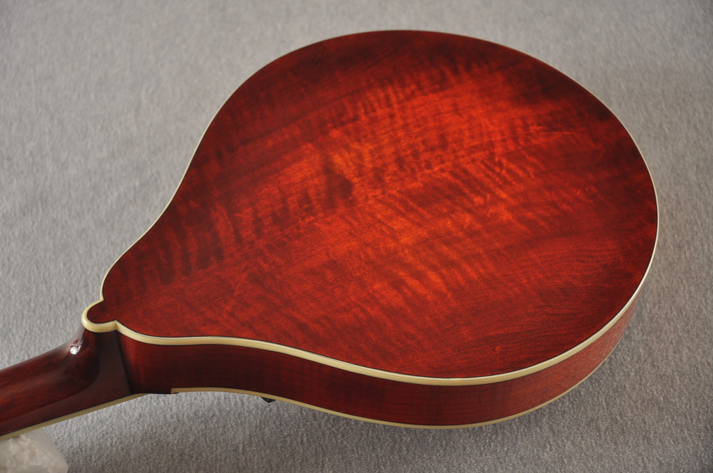 Eastman Mandolin MD605 Electric Pickup With Solid Spruce Top - View 6