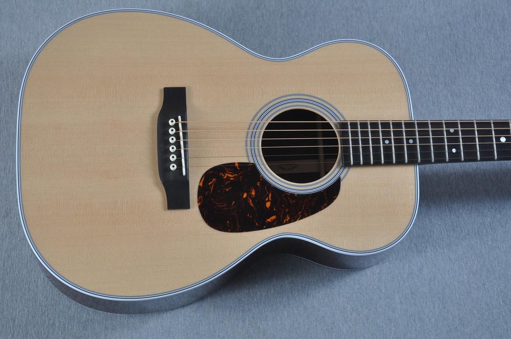 2016 Martin Custom Shop 00-28 Guatemalan Acoustic Guitar #2054111 - Top