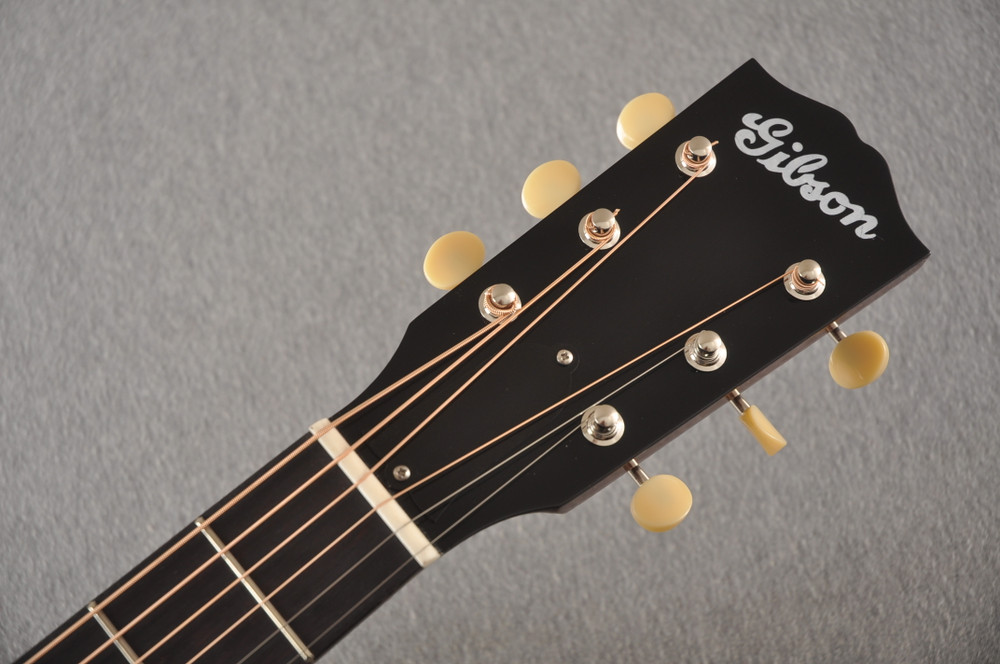 "Gibson 1936 J-35 Aged Adirondack Top Hide Glue 1.77"" Nut Width - View 4"
