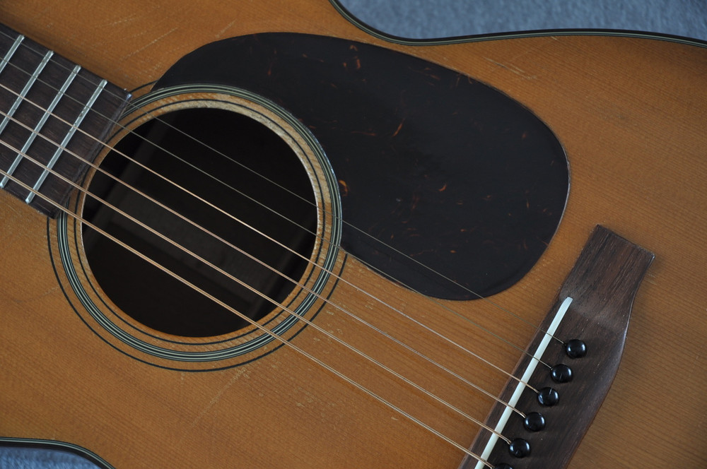 1955 Martin 0-18 Vintage Acoustic Guitar #143936 - Pickguard Angle