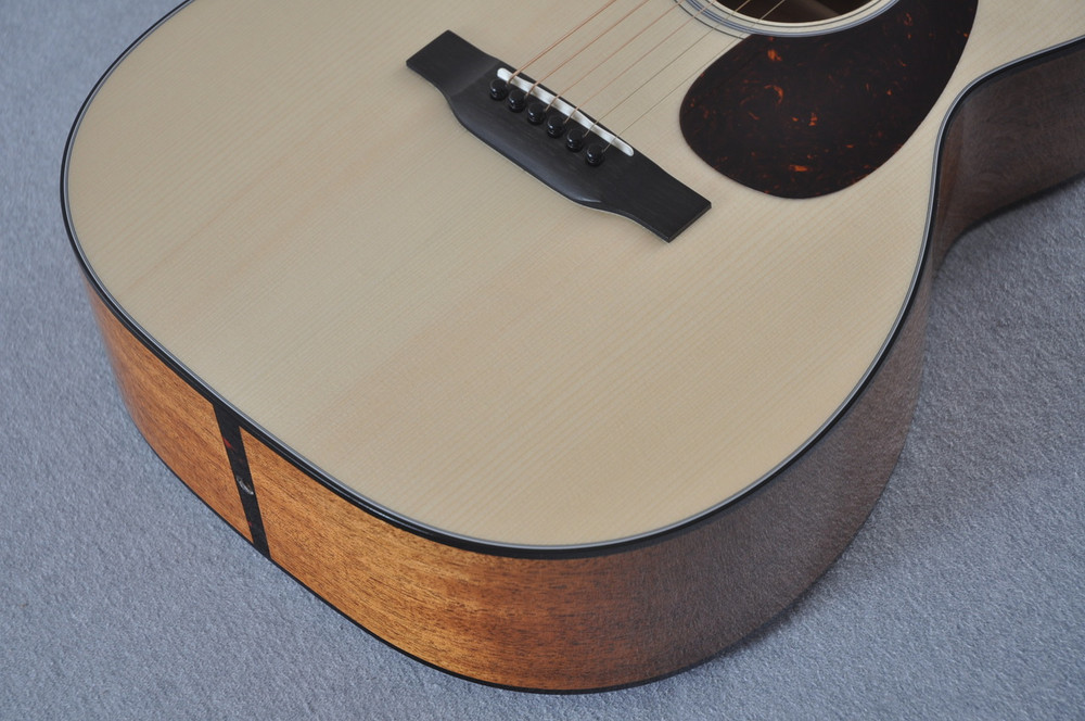 Martin Custom Shop 00-18 Adirondack Spruce Top Acoustic Guitar #2146974 - Bout