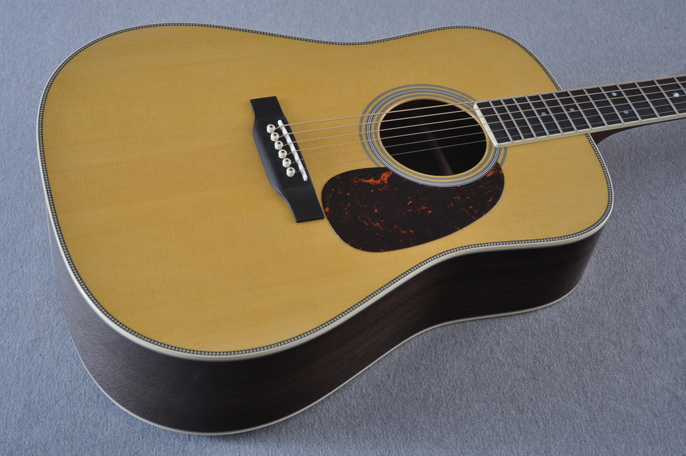 Martin HD-35 Dreadnought Standard Acoustic Guitar #2247741 - View 2