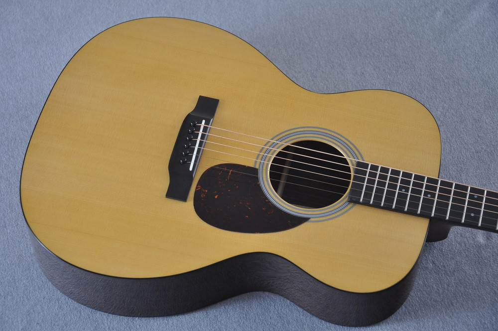 Martin OM-21 (2018) Natural Acoustic Guitar #2149340 - Top Angle