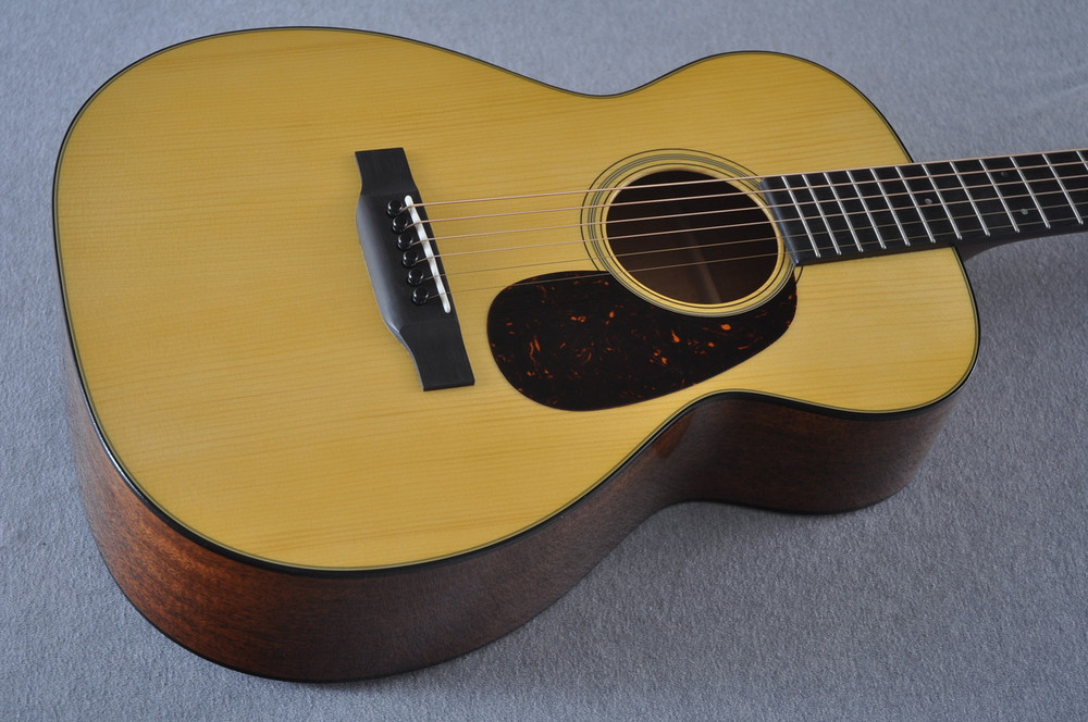 Martin Custom Shop 0-18 Adirondack Spruce Acoustic Guitar #2166924 - Beauty