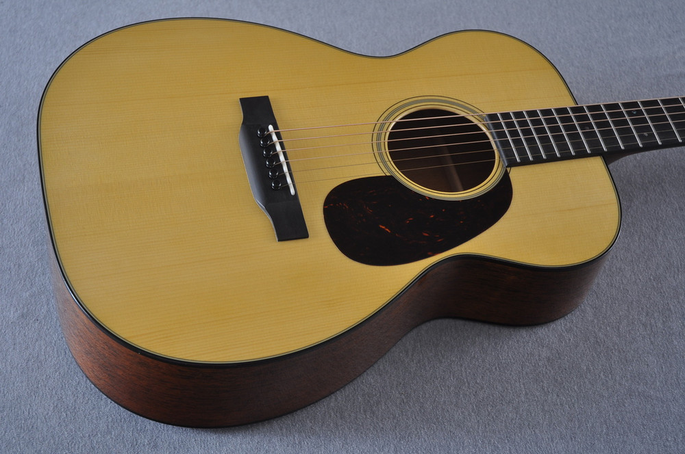 Martin Custom Shop 00-18 Adirondack Spruce Top Acoustic Guitar #2164200 - Beauty