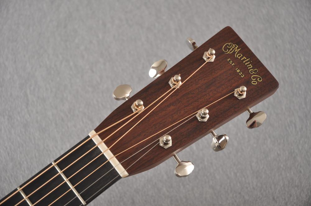 Martin HD-28 Dreadnought Acoustic Guitar #2276884 - Headstock