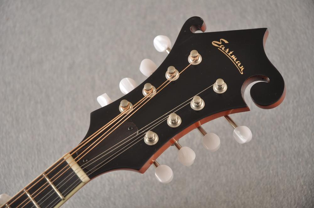 Eastman MD515/V-AMB Mandolin F Style Solid Spruce Top Ebony Board - View 6