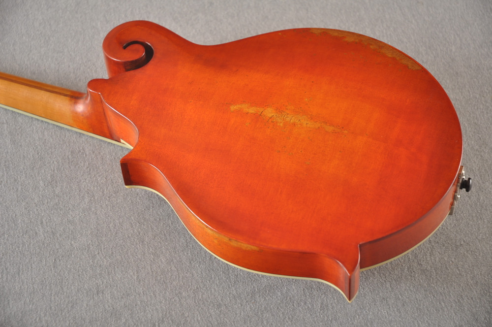 Eastman MD515/V-AMB Mandolin F Style Solid Spruce Top Ebony Board - View 4