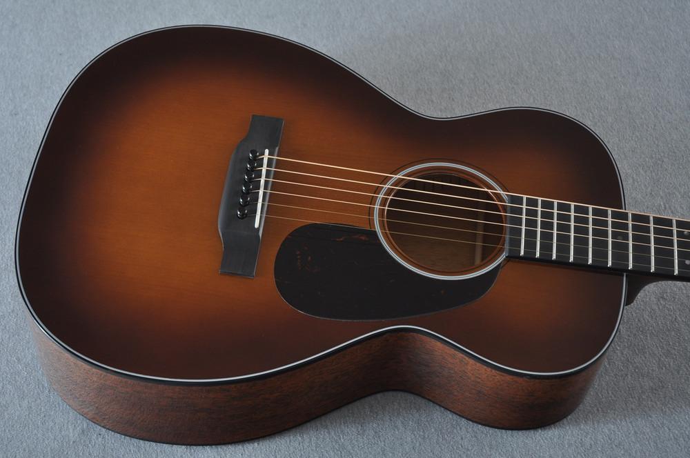 Martin Custom Shop 0-18 Adirondack Spruce Ambertone Acoustic Guitar #2166928 - Top