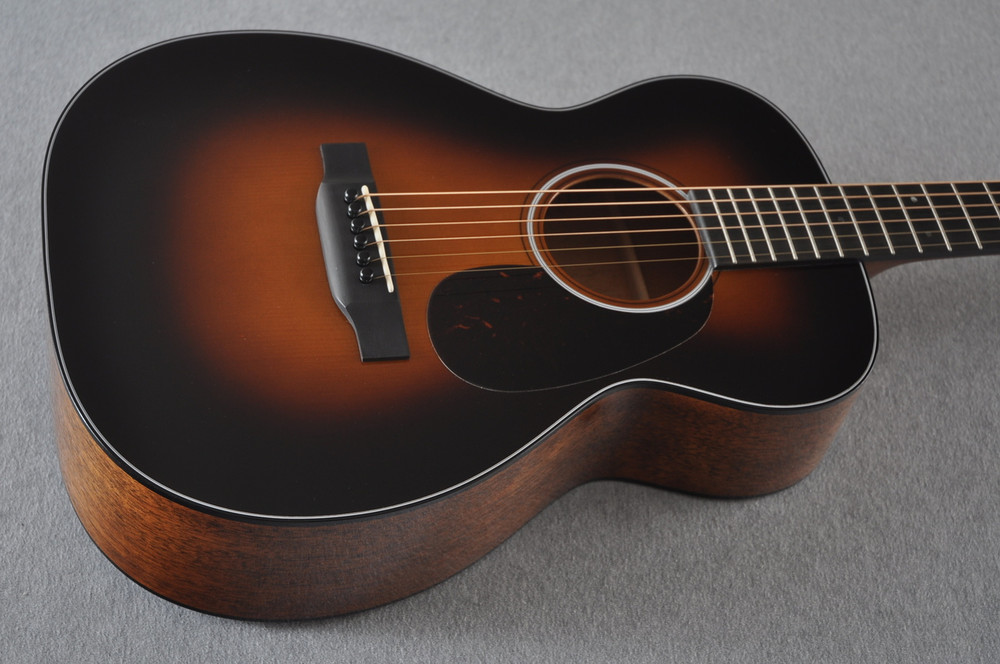 Martin Custom Shop 0-18 Adirondack Spruce Sunburst Guitar #2186826 - Beauty