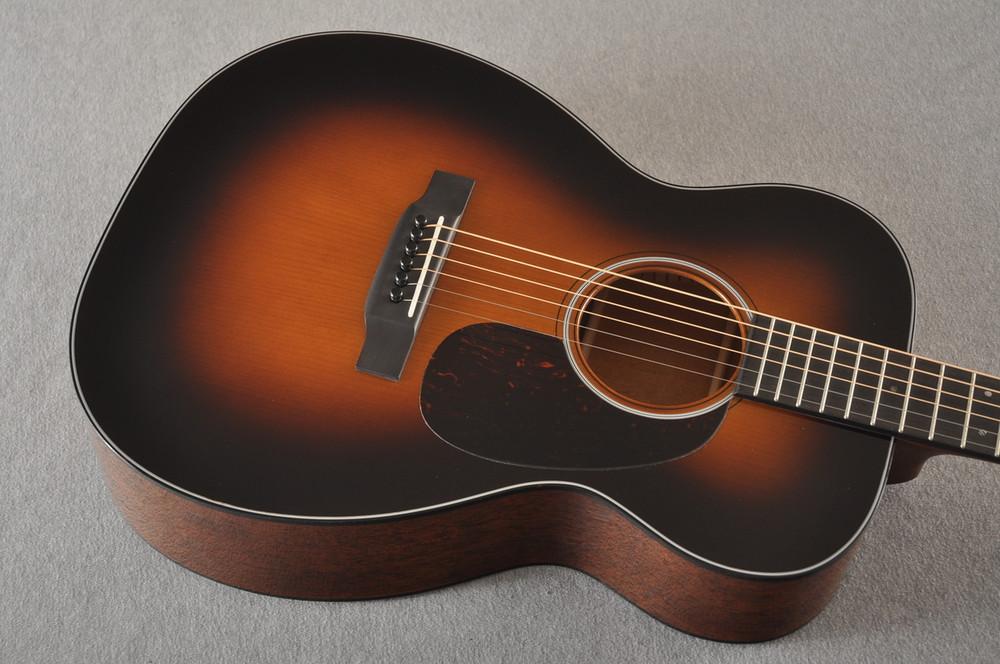 Martin Custom 00 Style 18 Adirondack Spruce Sunburst Acoustic #2260974 - Top Angle