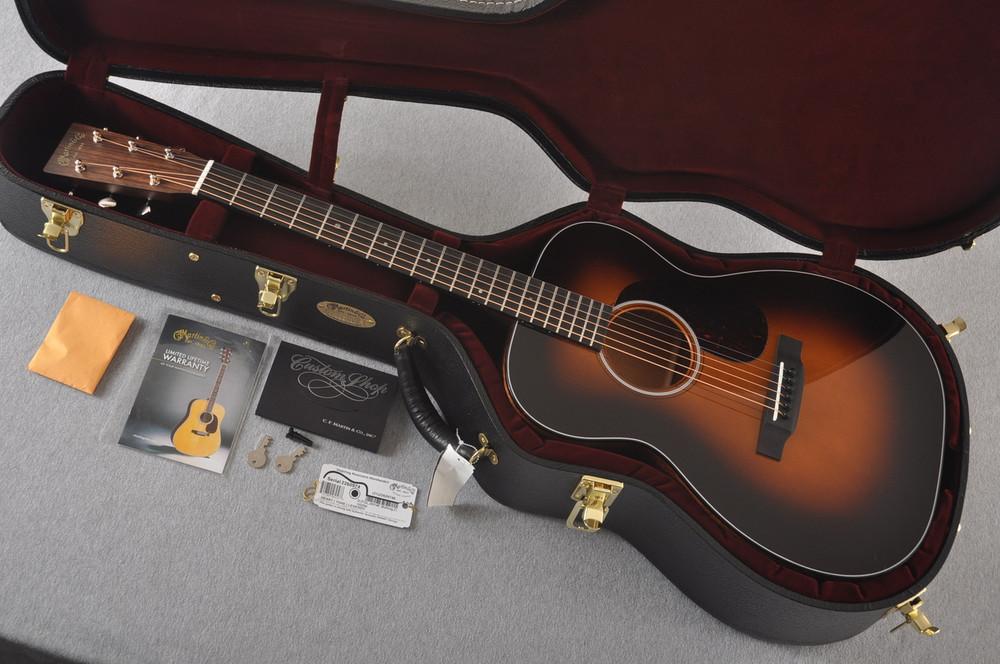 Martin Custom 00 Style 18 Adirondack Spruce Sunburst Acoustic #2260974 - Case