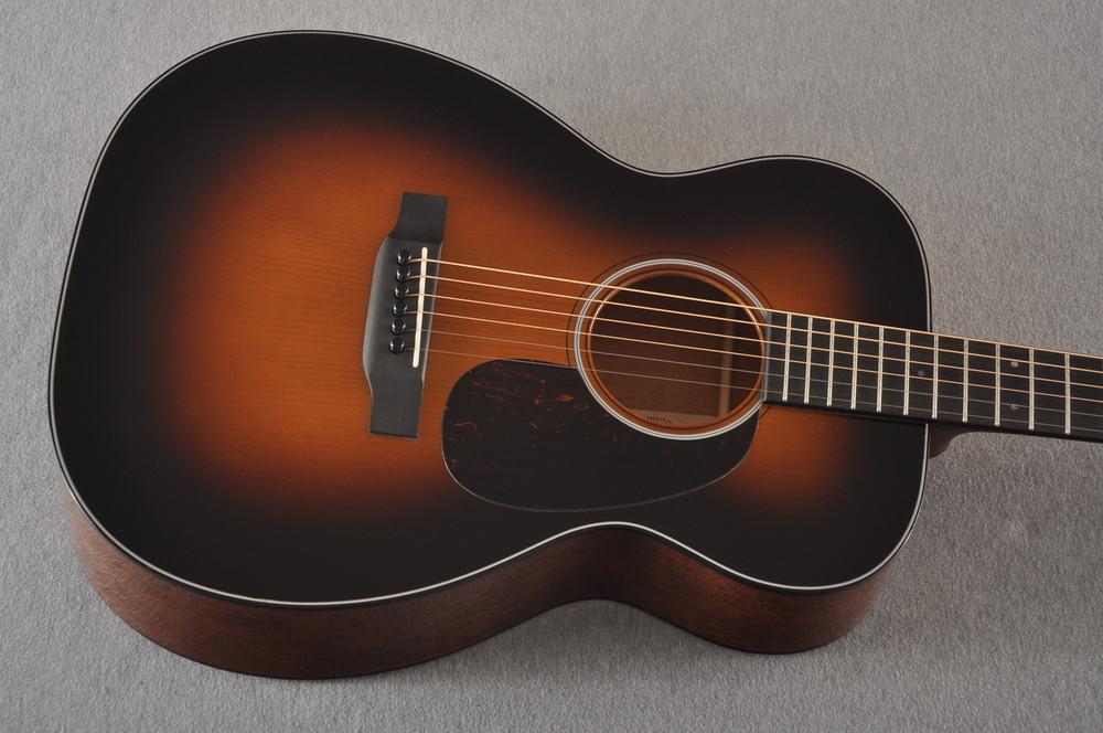Martin Custom 00 Style 18 Adirondack Spruce Sunburst Acoustic #2260974 - Top