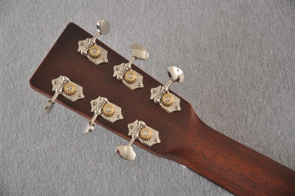 Martin Custom 00 Style 18 Adirondack Spruce Sunburst Acoustic #2260974 - Back Headstock