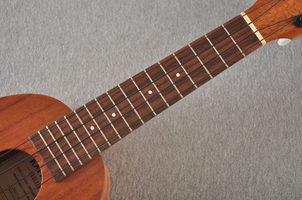 Kamaka Pineapple Ukulele Made in Hawaii - HP-1 Solid Koa- 200716 - View 3