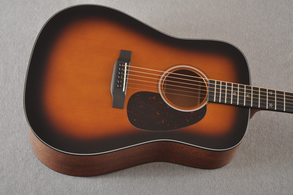 Martin Custom 18 Dreadnought Stars Adirondack Sunburst #2276252 - Top