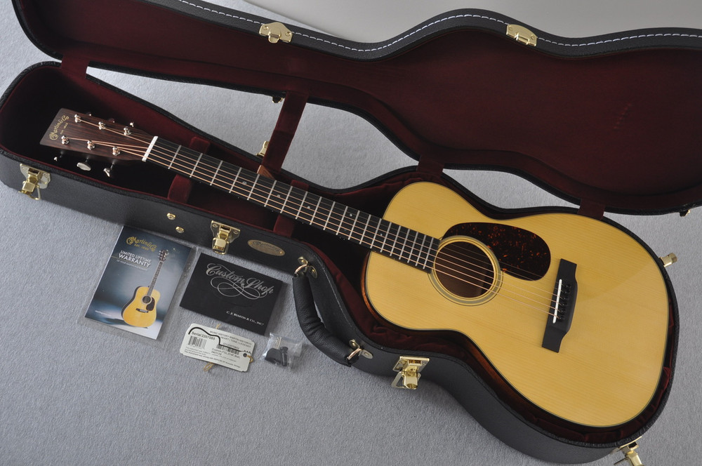 Martin Custom Shop 0-18 Adirondack Spruce Acoustic Guitar #2207085 - Case