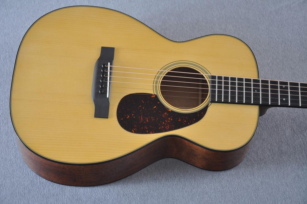 Martin Custom Shop 0-18 Adirondack Spruce Acoustic Guitar #2207085 - Top
