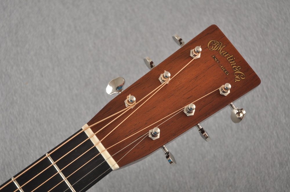 Martin D-28 Authentic 1937 VTS Dreadnought Guitar #2332789 - Headstock