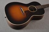 Eastman E20OOSS Slope Shoulder Sunburst Acoustic Guitar Adi Top
