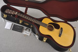 Martin Custom 00 Guitar Style 18 Adirondack Spruce #2466659 - Case