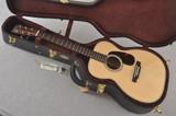 Martin Custom 00 Style 28 GE Adirondack Guatemalan Rosewood #1995356 - Case